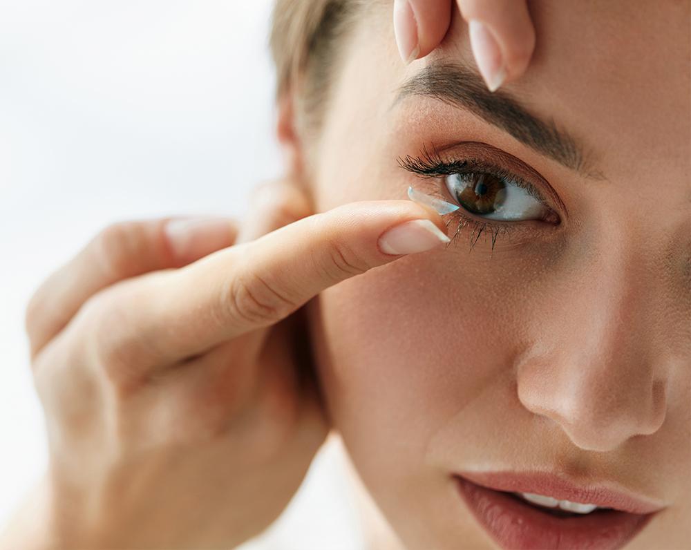 Einsetzung von Kontaktlinsen